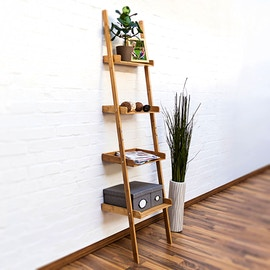 Scaffale-scala in bambù