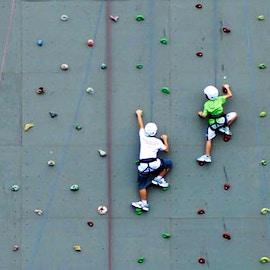 Arrampicata sportiva: le pareti più belle del mondo. Come realizzarne una?