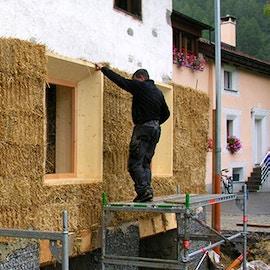Le case in paglia. Come costruire edifici, uffici, capanne o cottage sostenibili e sicuri utilizzando le balle di paglia