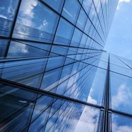 I vetri a controllo solare: caratteristiche e tipologie