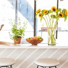 Materiali e finiture ecologiche per i pannelli della cucina